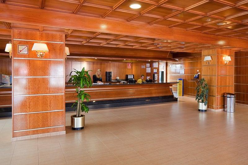 Recepción Hotel H Top Calella Palace & Spa