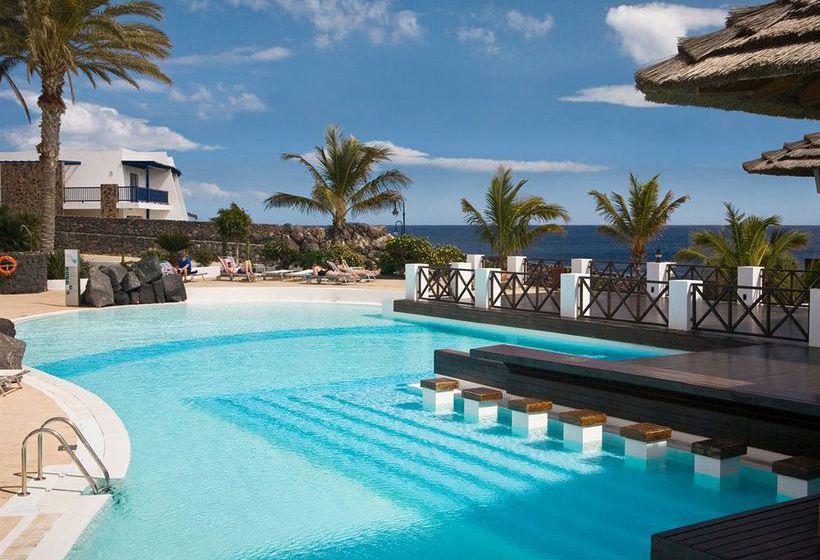 Hotel hesperia lanzarote en puerto calero destinia - Hotel costa calero puerto calero lanzarote espana ...