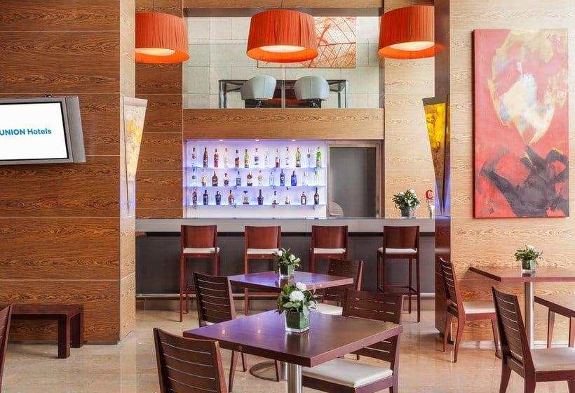 Cafetería Hotel Ilunion Valencia 4