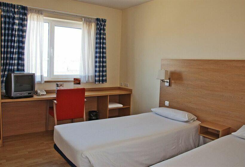 Hotel Travelodge Torrelaguna Madrid
