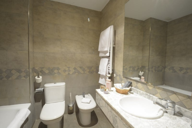 Cuarto de baño Hotel Campos de Castilla Soria