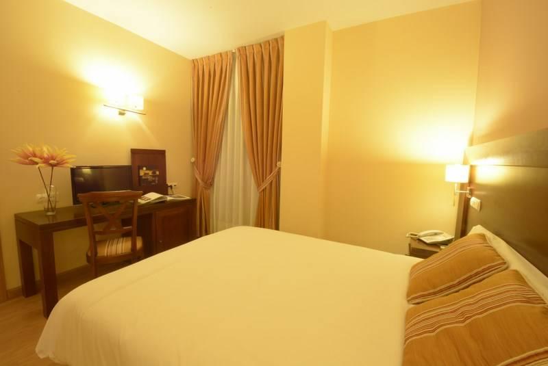 Habitación Hotel Campos de Castilla Soria