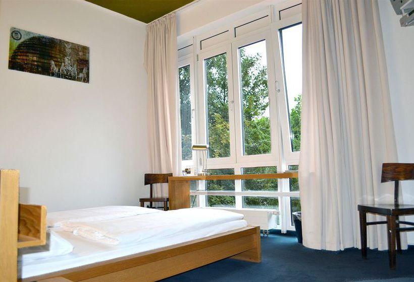 berlin apartment 1 en berl n desde 33 destinia. Black Bedroom Furniture Sets. Home Design Ideas