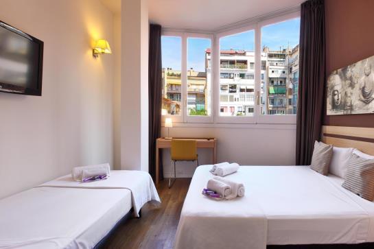 Hostal barcelona centro en barcelona destinia for Hoteles en bcn centro