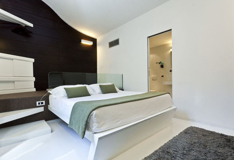 Hotel navona luxury suite en roma desde 32 destinia for Hotel luxury navona