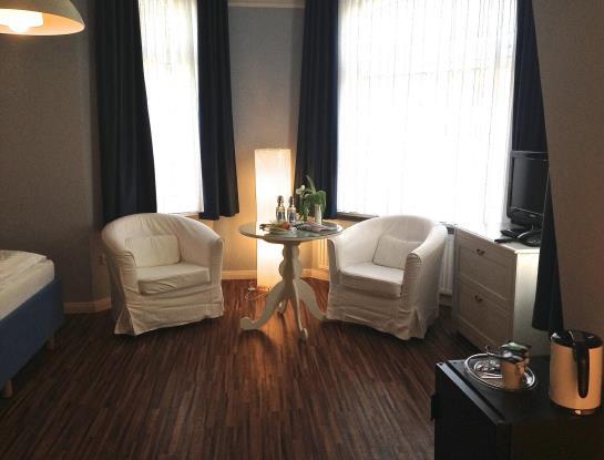 hotel sankt peter ording hotel st peter ording foto hotel fernsicht in st peter ording. Black Bedroom Furniture Sets. Home Design Ideas