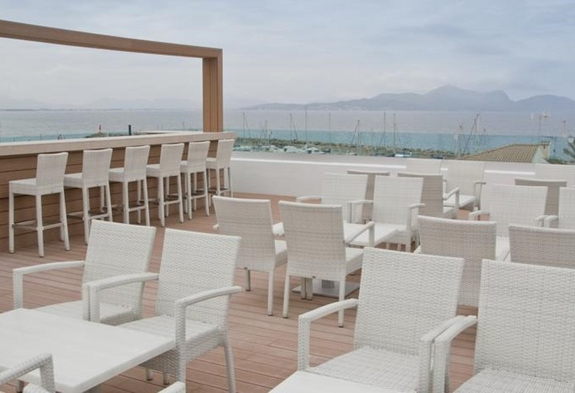 Terraza Som Llaut Boutique Hotel Can Picafort